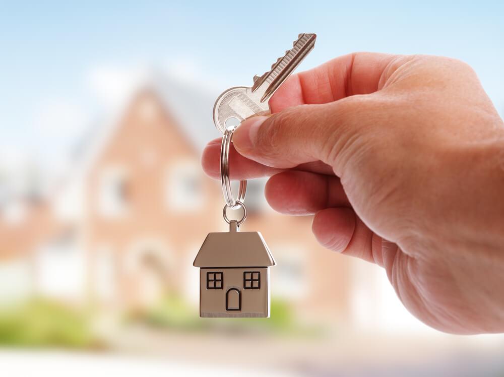家の鍵の写真。国際結婚では本籍地の登録に要注意!