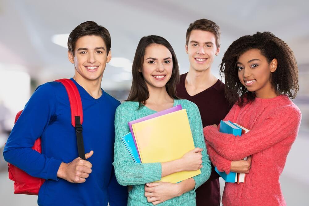 4人の留学生たち