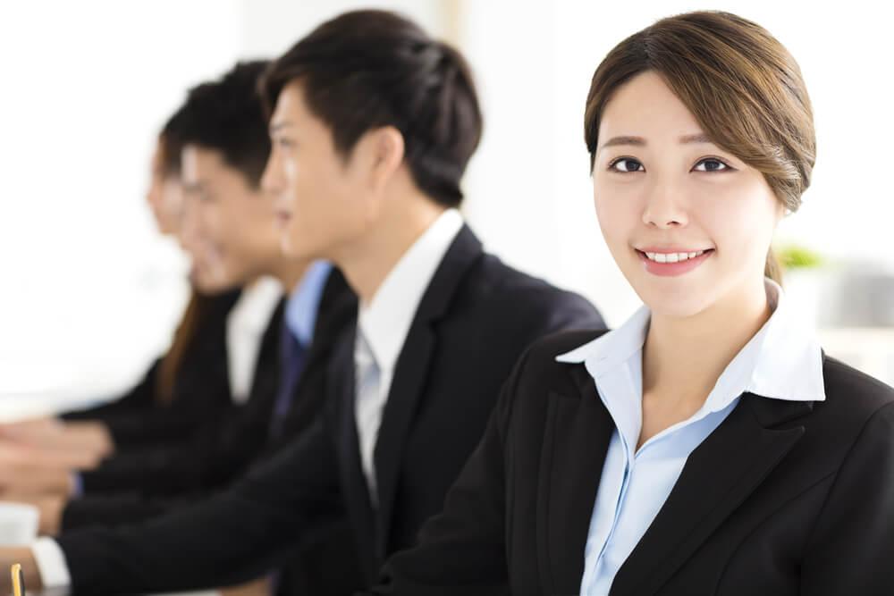 リクルートスーツの中国人留学生