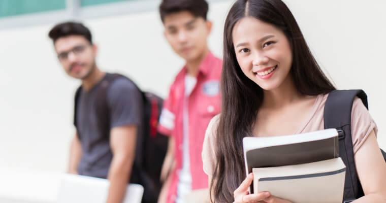 お金がなく、国民年金の加入手続きをしてこなかったため、未納となっているが、国民年金免除の要件をみたしている外国人留学生