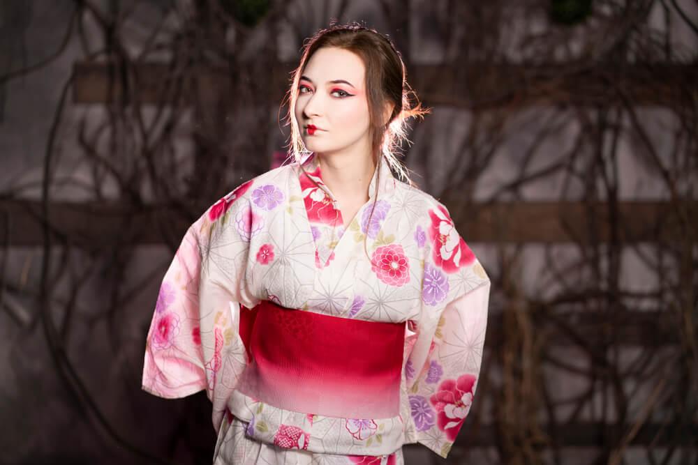 着物を着た外国人女性
