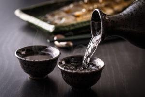 国際結婚を反対する両親に、中国人妻がプレゼントした日本酒