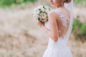 ブーケを持った外国人花嫁