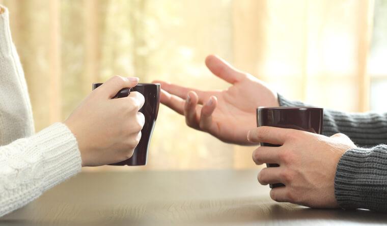 国際結婚相談所を通じて、国外でお見合をする男女