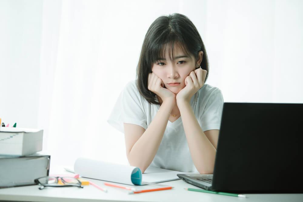 借金が返せていないが、帰国日が近づき、もっと日本にいたいと考える出稼ぎ留学生
