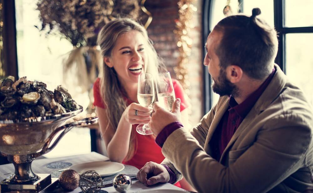 国際結婚をしたいと考え、様々な外国人と知り合い、婚活をしている人